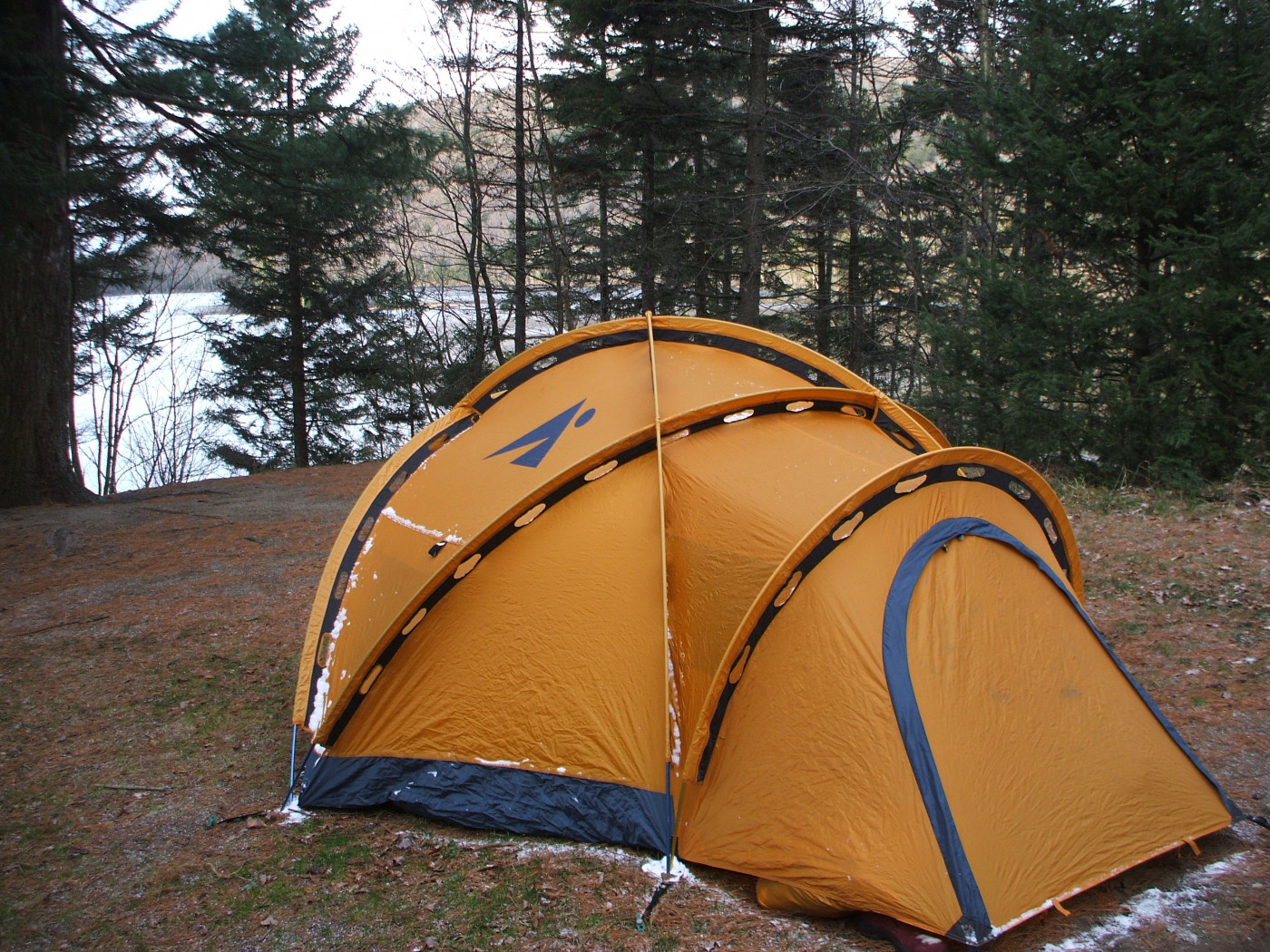 An example of a four-season tent.